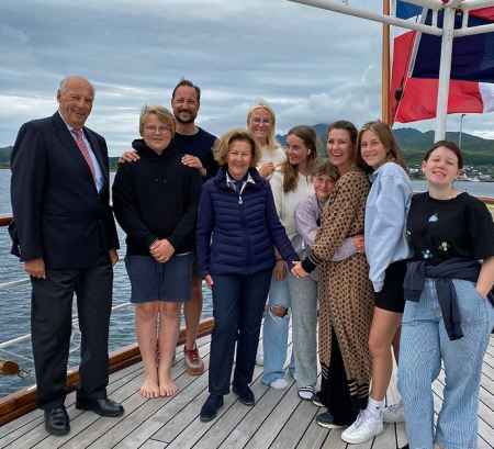 Noorse Royals Op Boot Screenshot Instagram